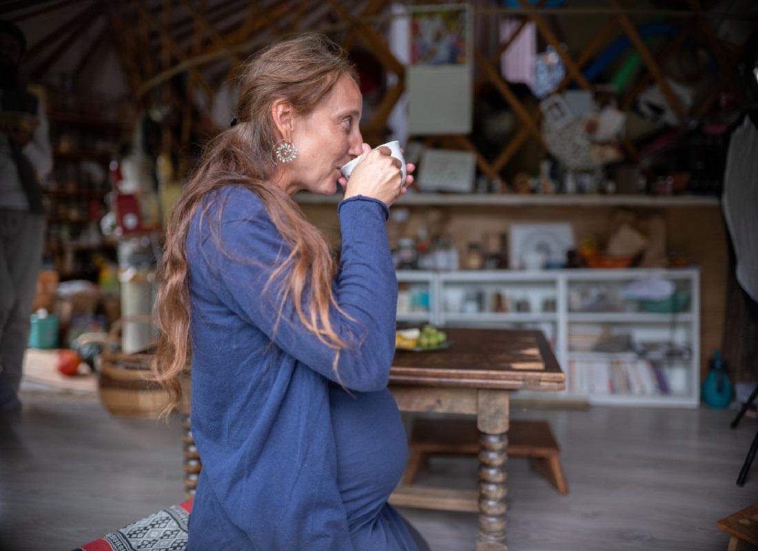 femme enceinte boit spiral flow